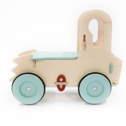 Camion en bois enfant